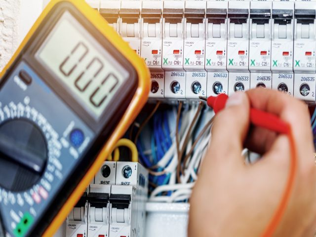 Electrical Contractors Brisbane – Ensure Yours are Licensed and Insured